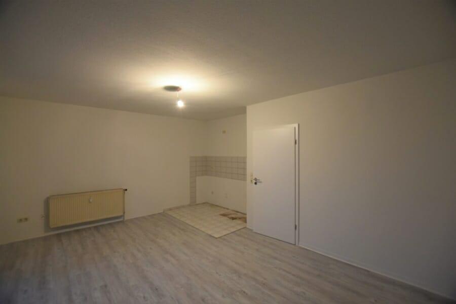 Günstige Starter-Wohnung, kurzfristig frei! - Wohn-/Schlafzimmer