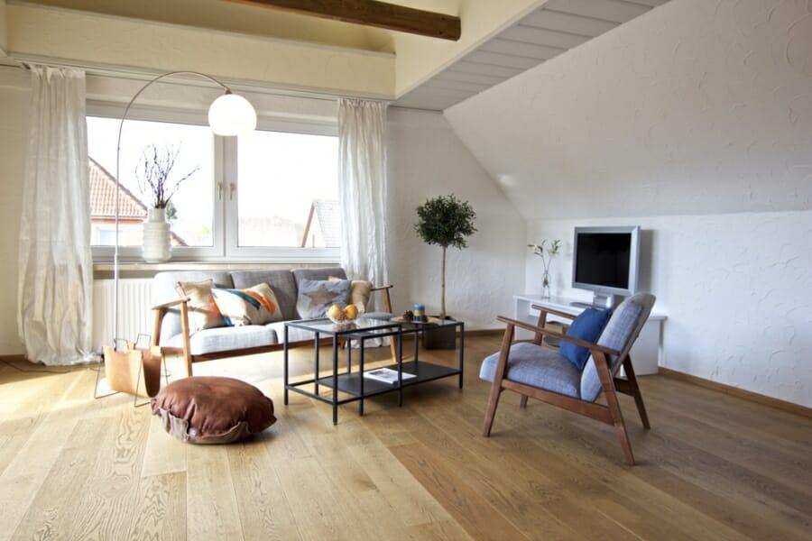 Provisionsfrei für den Käufer:  4-Zimmer-Dachgeschosswohnung zur Eigennutzung oder Kapitalanlage - Wohnbereich