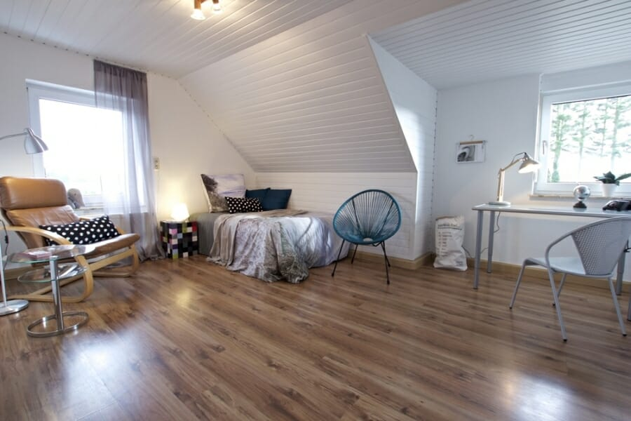 Provisionsfrei für den Käufer:  4-Zimmer-Dachgeschosswohnung zur Eigennutzung oder Kapitalanlage - Kinderzimmer