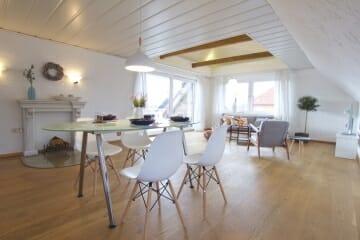 Provisionsfrei für den Käufer:  4-Zimmer-Dachgeschosswohnung zur Eigennutzung oder Kapitalanlage 26689 Apen, Dachgeschosswohnung
