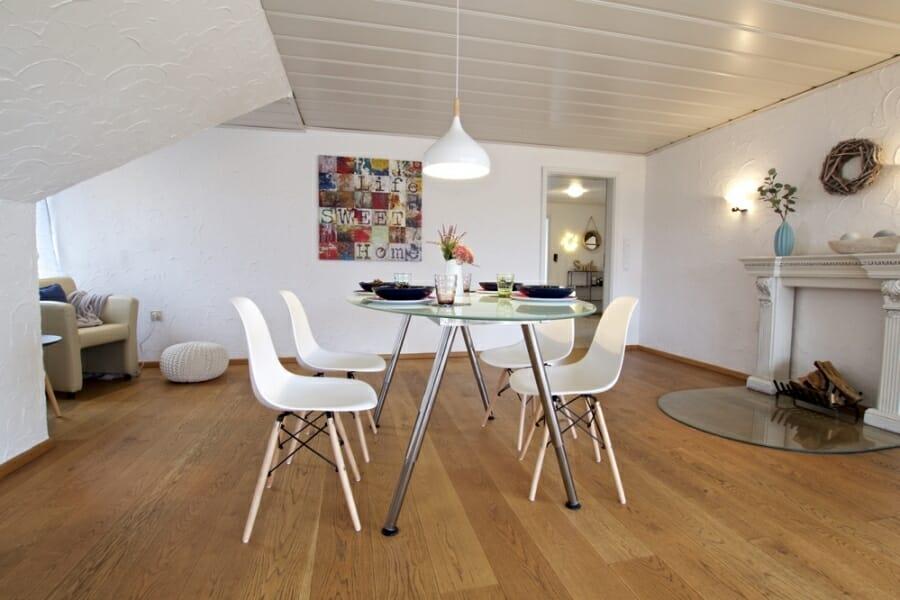 Provisionsfrei für den Käufer:  4-Zimmer-Dachgeschosswohnung zur Eigennutzung oder Kapitalanlage - Essbereich