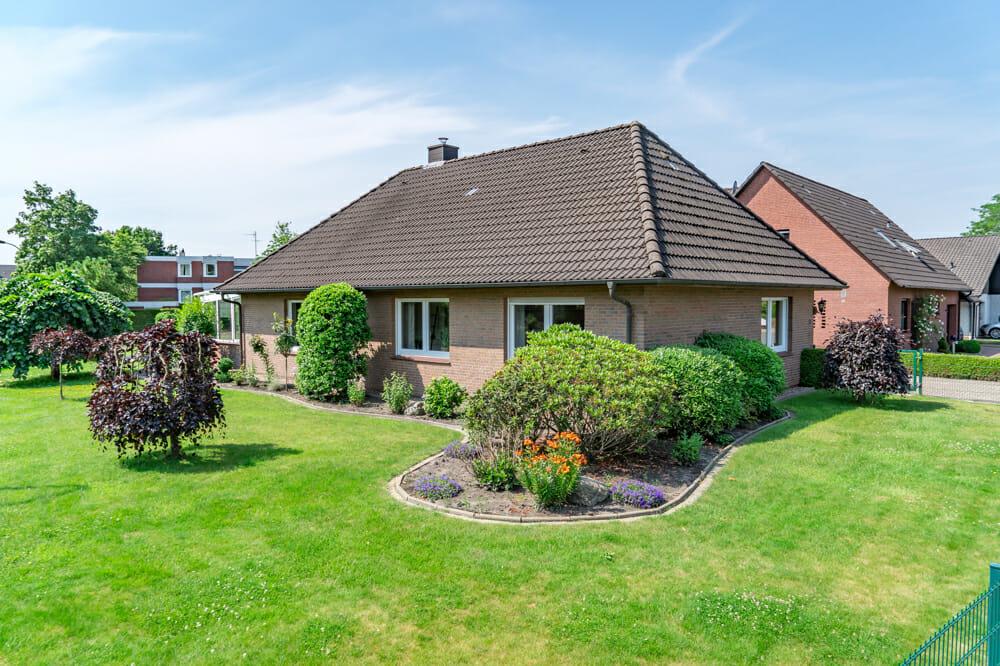 Provisionsfrei für Käufer: Unser Kauftipp – schöner Bungalow in begehrter Lage mit weiterem Bauplatz 26655 Westerstede, Bungalow